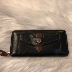 Cole Haan wallet 💕💕💕